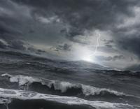 Lightning striking ocean water 11018080112| 写真素材・ストックフォト・画像・イラスト素材|アマナイメージズ