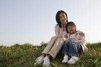母親と娘 11019004192| 写真素材・ストックフォト・画像・イラスト素材|アマナイメージズ
