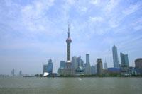 上海の東方明珠塔と浦東新区