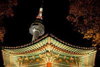 Nソウルタワーと八角亭の夜景 韓国