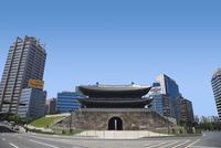 復元された南大門・崇礼門 ソウル 11019029617| 写真素材・ストックフォト・画像・イラスト素材|アマナイメージズ