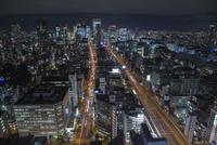 本町から大阪駅方面を望む大阪市街の夜景