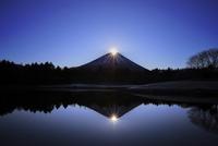 本栖湖とダイヤモンド富士