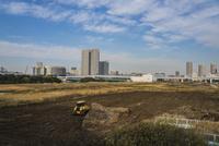 東京オリンピック施設建設現場と豊洲の高層マンション