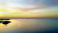 木更津の海と東京湾アクアラインの夕景