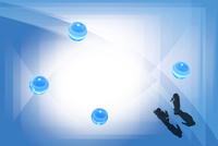 2人のビジネスマンと4つの球体 CG 11019038107| 写真素材・ストックフォト・画像・イラスト素材|アマナイメージズ