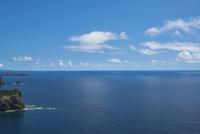 ウェザーステーション展望台から望む母島方面の海 11019039014| 写真素材・ストックフォト・画像・イラスト素材|アマナイメージズ