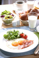 朝食 11020001342| 写真素材・ストックフォト・画像・イラスト素材|アマナイメージズ