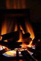 炭火 11020002007| 写真素材・ストックフォト・画像・イラスト素材|アマナイメージズ