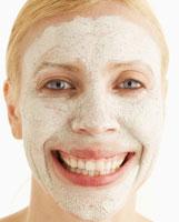 Mid-Adult Woman with Face Mask 11021006997| 写真素材・ストックフォト・画像・イラスト素材|アマナイメージズ
