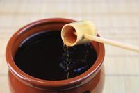 黒酢 11023017177| 写真素材・ストックフォト・画像・イラスト素材|アマナイメージズ
