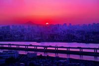 タワーホール船堀から見た沈む夕日