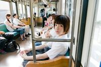 電車内の女子高生