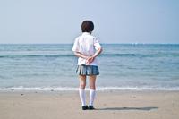 浜辺の女子高生
