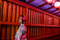 夜の祭りの浴衣女性 11023017500| 写真素材・ストックフォト・画像・イラスト素材|アマナイメージズ