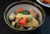 煮物 11023017951| 写真素材・ストックフォト・画像・イラスト素材|アマナイメージズ