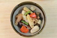 煮物 11023018238| 写真素材・ストックフォト・画像・イラスト素材|アマナイメージズ