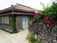 竹富島の町並み 11023020514| 写真素材・ストックフォト・画像・イラスト素材|アマナイメージズ