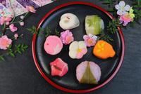 和菓子 11023021552| 写真素材・ストックフォト・画像・イラスト素材|アマナイメージズ