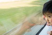 車窓 11023021790| 写真素材・ストックフォト・画像・イラスト素材|アマナイメージズ
