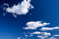 青空と雲 11023022131  写真素材・ストックフォト・画像・イラスト素材 アマナイメージズ