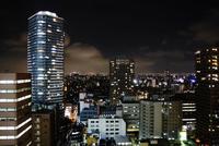 都会の夜景 11023022357| 写真素材・ストックフォト・画像・イラスト素材|アマナイメージズ