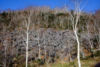 然別の岩場 11023022571| 写真素材・ストックフォト・画像・イラスト素材|アマナイメージズ