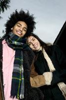 Couple smiling 11029000932| 写真素材・ストックフォト・画像・イラスト素材|アマナイメージズ