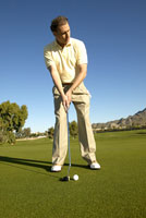 Male golfer 11029010056| 写真素材・ストックフォト・画像・イラスト素材|アマナイメージズ