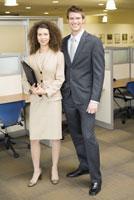 businesspeople in office 11029015288  写真素材・ストックフォト・画像・イラスト素材 アマナイメージズ