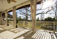 Large Country Style Porch 11029016588| 写真素材・ストックフォト・画像・イラスト素材|アマナイメージズ