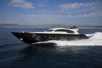 Luxury Yacht 11030018241  写真素材・ストックフォト・画像・イラスト素材 アマナイメージズ