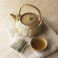 Still Life of Japanese Teapot with Tea 11030023129| 写真素材・ストックフォト・画像・イラスト素材|アマナイメージズ