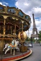 Carousel and Eiffel Tower, Paris, France 11030032850| 写真素材・ストックフォト・画像・イラスト素材|アマナイメージズ