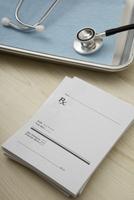 Stethoscope, Prescription Pad and Medical Tray, Birmingham,  11030033140| 写真素材・ストックフォト・画像・イラスト素材|アマナイメージズ