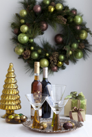 Wine and Glasses with Christmas Ornaments and Presents 11030033206| 写真素材・ストックフォト・画像・イラスト素材|アマナイメージズ