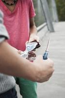 Boy Threatening Another Boy with Knife, Mannheim, Baden-Wurt 11030035497| 写真素材・ストックフォト・画像・イラスト素材|アマナイメージズ