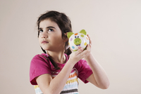portrait of little girl,studio mannheim 11030036802| 写真素材・ストックフォト・画像・イラスト素材|アマナイメージズ