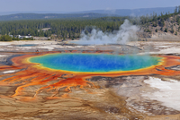 Grand Prismatic Spring at Midway Geyser Basin, Yellowstone National Park, Teton County, Wyoming, USA 11030048517| 写真素材・ストックフォト・画像・イラスト素材|アマナイメージズ