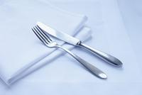 Close-up of Cutlery and Napkin 11030050201| 写真素材・ストックフォト・画像・イラスト素材|アマナイメージズ