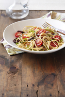 Linguine with Tomatoes and Olives