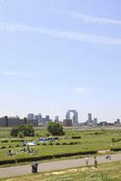 淀川河川敷からみる大阪