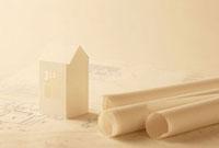 設計図と紙の家