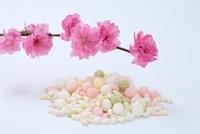 雛あられと桃の花
