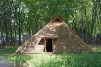 栗原遺跡を復元した縦穴式住居跡