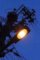 夜明け前の街灯