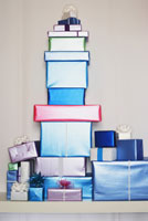 Big stack of gifts 11034000088| 写真素材・ストックフォト・画像・イラスト素材|アマナイメージズ