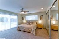 Modern bedroom 11044016710| 写真素材・ストックフォト・画像・イラスト素材|アマナイメージズ