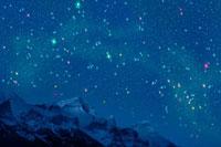 ロッキー山脈と夏の星空