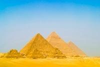 ギザの三大ピラミッド 11069007474| 写真素材・ストックフォト・画像・イラスト素材|アマナイメージズ